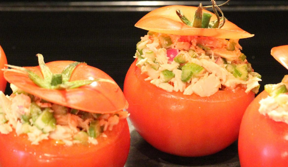 Tomatoes Stuffed with Tuna, Celery and Red Onions (4)
