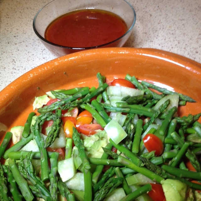 Green and Red Salad with Tomato Dressing (4)