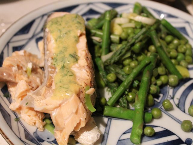 Salmon Fillets with a Mustard Dill Sauce (4)
