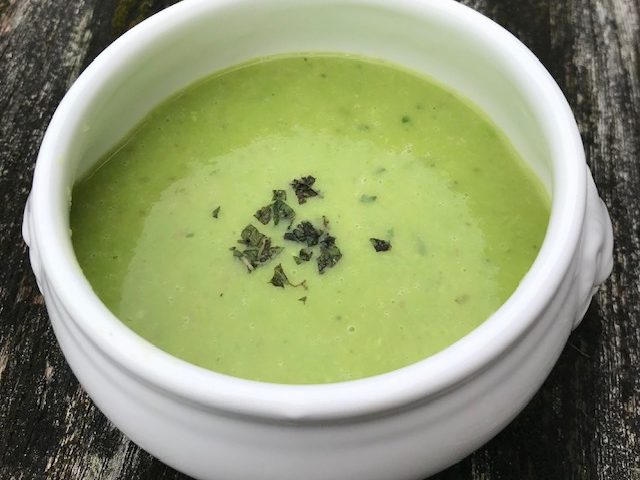 Pea and Mint Soup (serves 4)