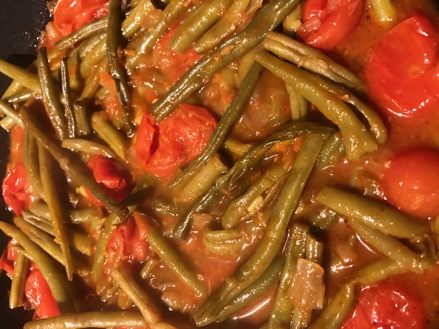 Rustic Tomatoes and Green Beans (serves 4)