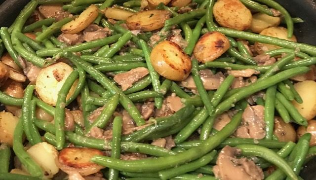 Garlic Mushrooms, Potatoes and Green Beans (serves 4)